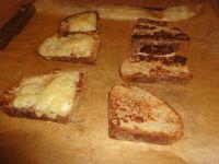 Empfehlung: Die Brotscheiben zusätzlich nochmal im Ofen backen.