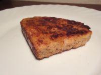 French Toast mit Ahornsirup.