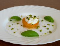 Karamellisierte Aprikose mit Ricotta