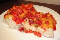 Mango-Salsa auf Lachs