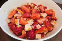 Orangentofu mit Erdbeeren