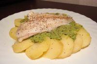 Erbsenpüree mit Fisch und Kartoffeln