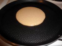 Der Pancake-Teig ist dick genug, so er sich kaum in der Pfanne ausbreitet.
