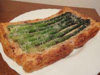 Spargel in Blätterteig frisch aus dem Ofen.